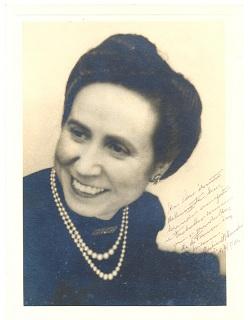 No 25.º aniversário da morte de JÚLIA D'ALMENDRA (1904-92) (2)