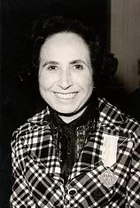 No 25.º aniversário da morte de JÚLIA D'ALMENDRA (1904-92)  (6a)