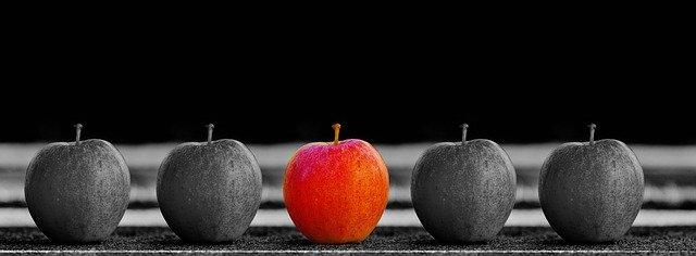 apple-1594742_640