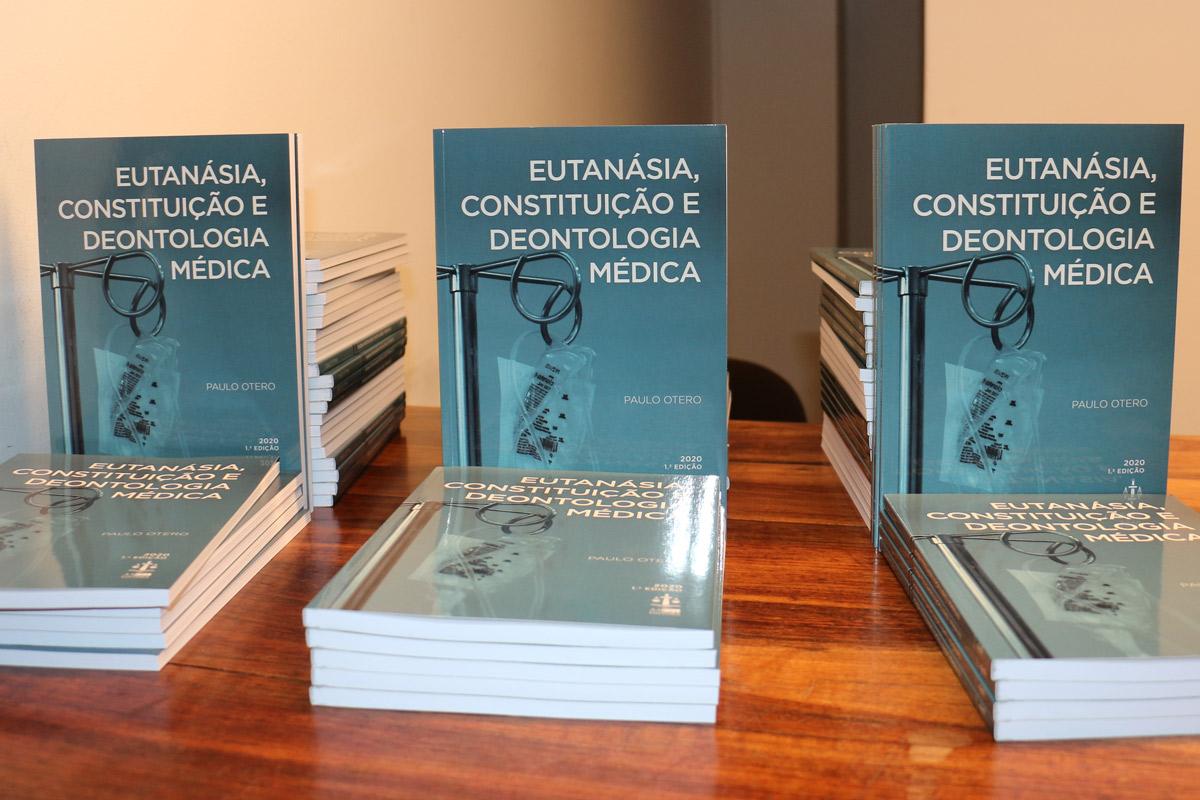 eutanasia_constituicao_livro