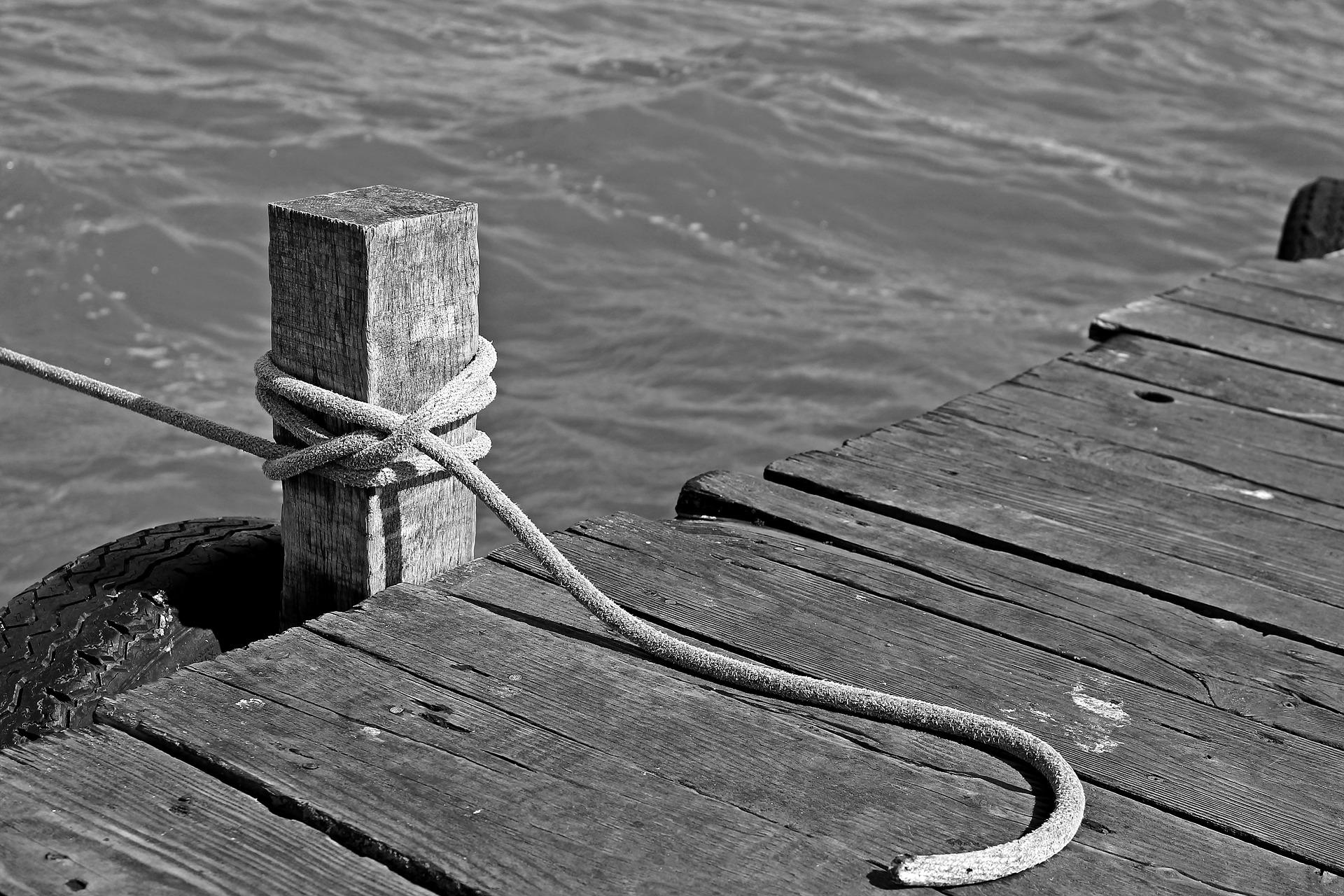 boat-mooring-1644831_1920