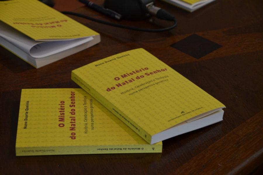 Pe.-Nuno-Queiros_livro-O-misterio-do-natal-do-Senhor_Fotos-Diocese-de-Aveiro-2-900x600