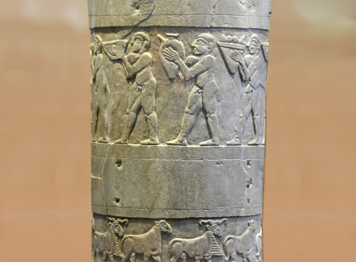 Warka_vase_(background_retouched)