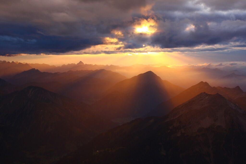 mountains-1048995_1920 (1)