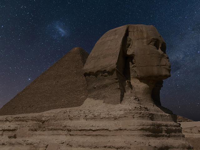 sphinx-2116041_640