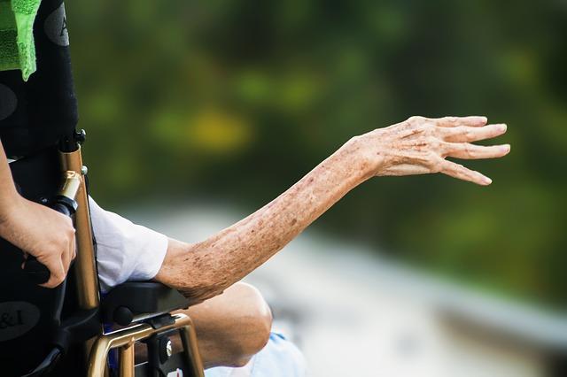 hospice-1794351_640