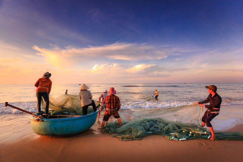 fishermen-2983615_1920