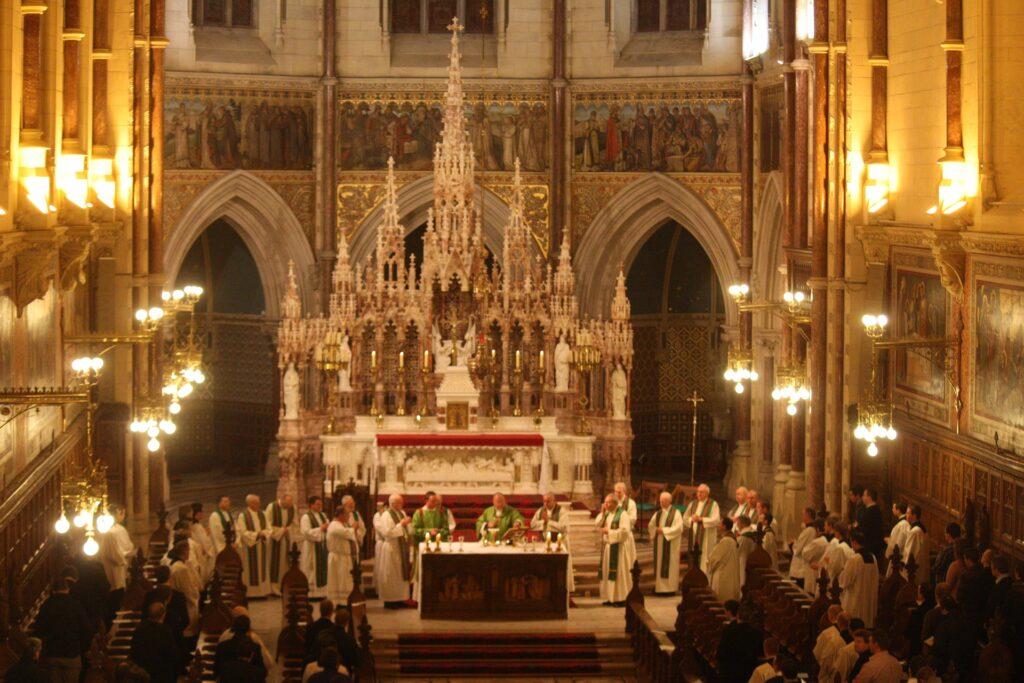 irish-seminary-mass-656595_1920